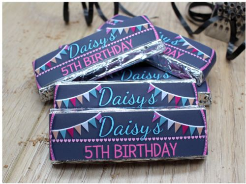 6 x Personalised Girls Bunting & Hearts Happy Birthday 2 Finger KitKat Chocolate Bars Wrappers - N23